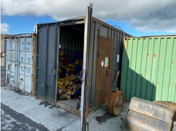 40' Container c/w Parts/Ratching/Pipes (Located at Cumnock, KA18 4QS, Scotland) No crane available - buyer will need to provide crane themselves for loading - kontejner